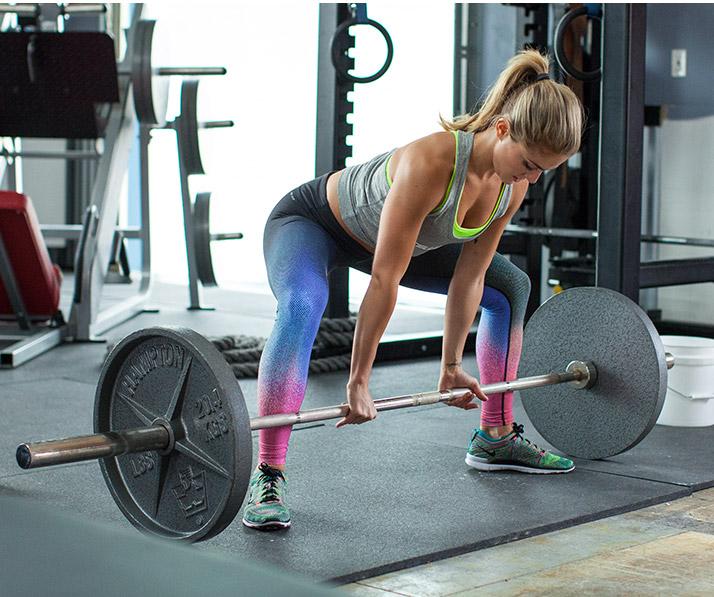 Делайте больше работы в меньшее время, применяя технику коротких передышек в ваших многосуставных упражнениях.